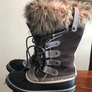 Sorel Joan of Arctic grey suede waterproof boots